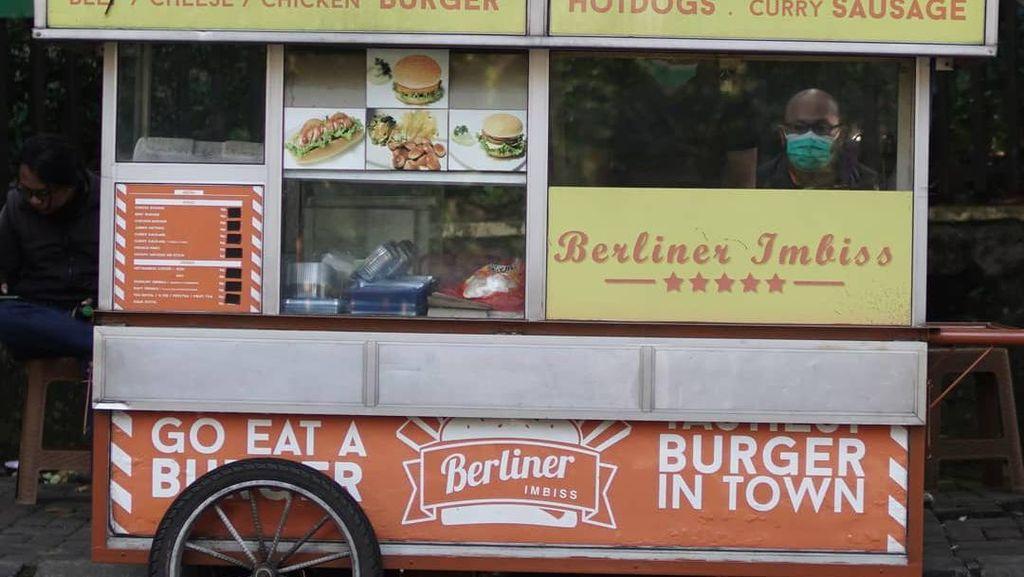 Murah Meriah! Ini 5 Burger Gerobakan Rp 10 Ribuan yang Mantap Isinya