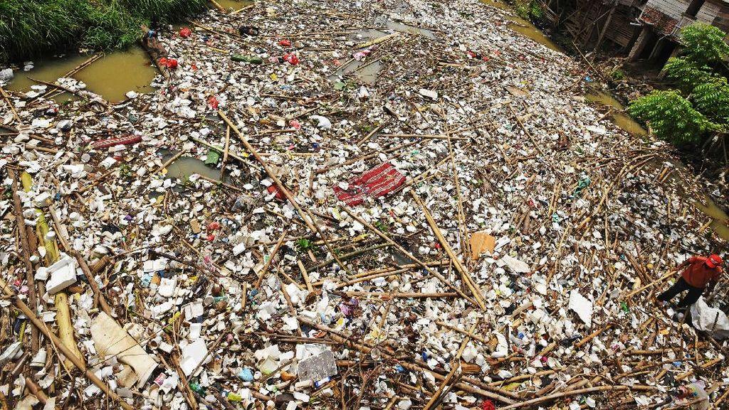 Duh...Sungai Cibanten Serang Dipenuhi Sampah