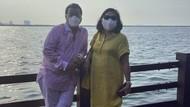 Hotman Paris Pamer Keharmonisan, Gaya Bareng Istri Rayakan Ultah ke-62