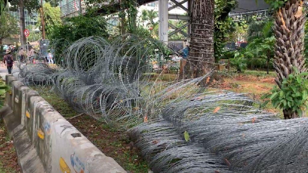 Kawat Berduri Disiapkan Jelang Demo BEM SI di Sekitar Istana