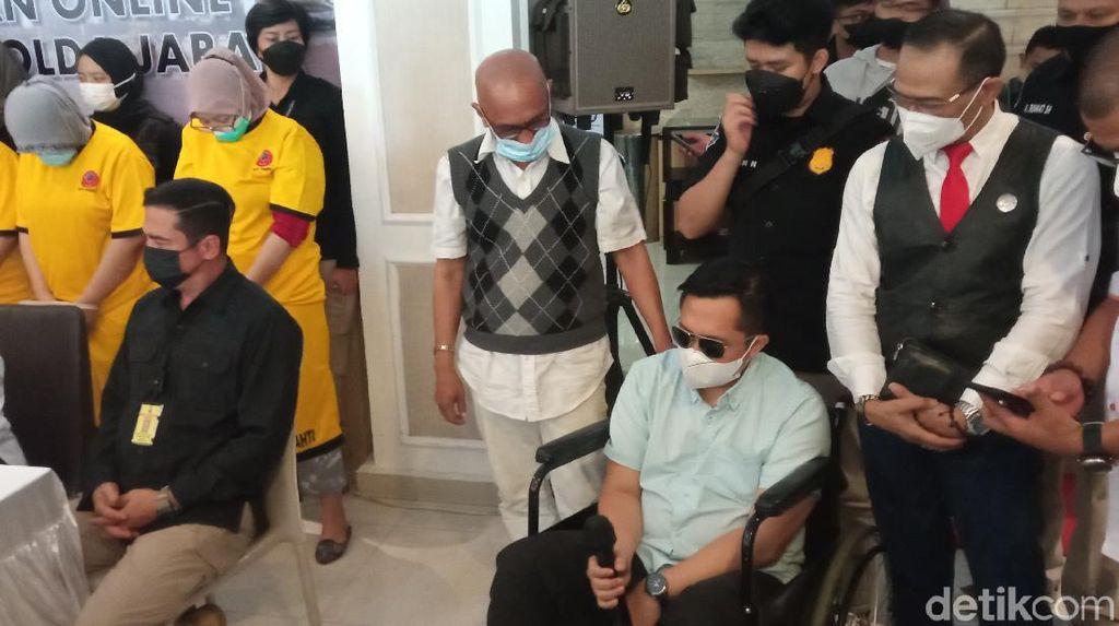 Pakai Kursi Roda, Korban Pinjol Sleman Cerita Dituduh Bandar Narkoba