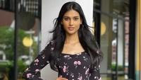 Miss World Malaysia Minta Maaf usai Dibully Gegara Batik
