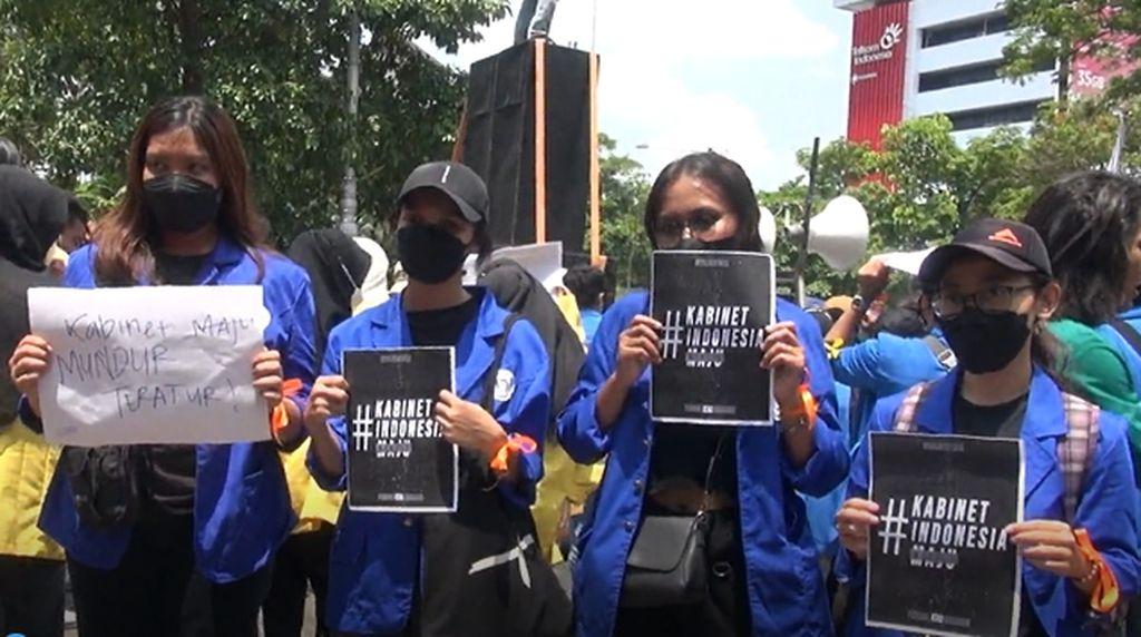 Mahasiswa Semarang Demo, Beri Rapor Merah 7 Tahun Jokowi