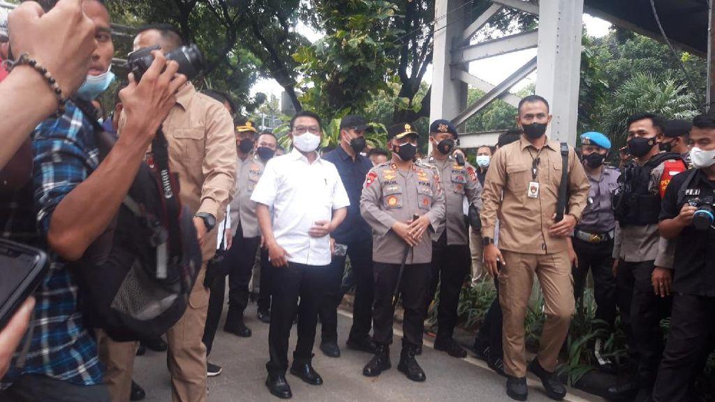 Moeldoko Temui BEM SI Demo Depan Istana, Ikut Tepuk Tangan