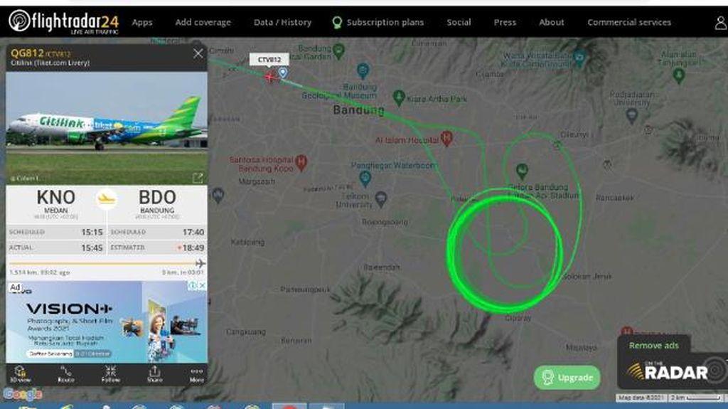 Hujan Angin Landa Bandung, Pesawat Berputar Belasan Kali Kagetkan Warga