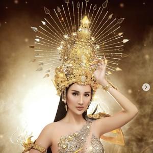 8 Gaya Bella Aprilia Jadi Dewi Kesuburan di Miss Intercontinental 2021