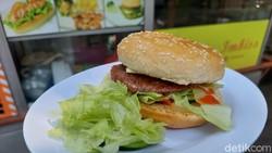 Burger Gerobakan Kaki Lima Ini Pakai Resep ala Orang Berlin