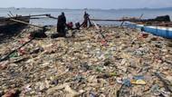 Jorok! Sampah Menumpuk di Pantai Lampung