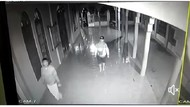 4 Berandal Terekam CCTV Congkel Jendela-Bobol Kotak Amal di Masjid Klaten