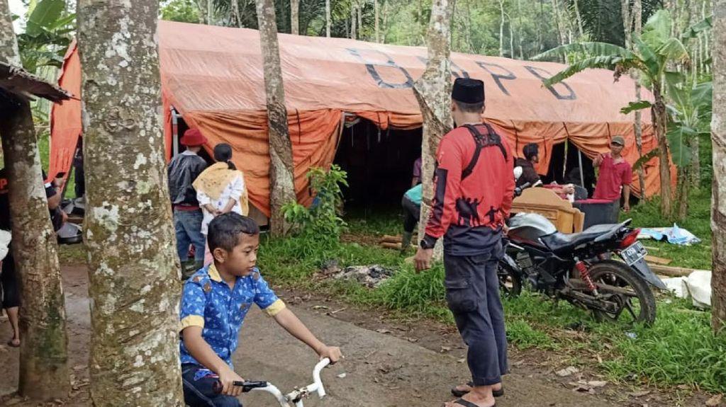 Tanah Retak di Purabaya Sukabumi, 22 Warga Terpaksa Mengungsi