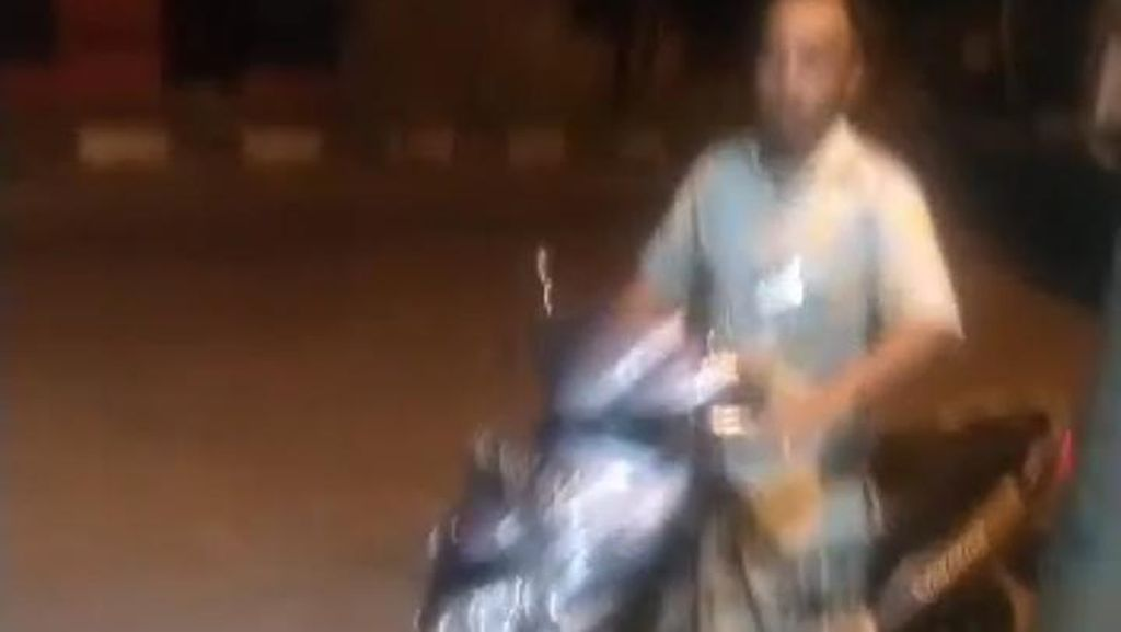 Lagi! Viral Pemotor Onani di Pinggir Jalanan Pekalongan