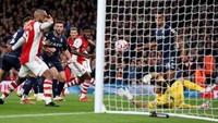 Arsenal Unggul 2-0 atas Villa di Babak I