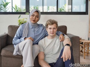 Cerita Wanita Jawa Viral Dinyinyirin karena Dinikahi Bule Balas dengan Prestasi