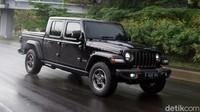 Tes Lengkap Jeep Gladiator Rubicon 2021: Pick-up Mewah, Sangar, Seharga Rp 2 Miliar