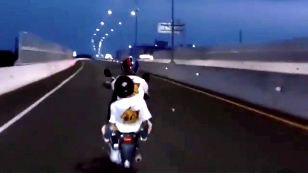Viral Pemotor Ugal-ugalan di Jalan Tol Layang Makassar, Polisi Selidiki