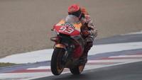 Lakukan Penyelamatan di Kualifikasi, Marquez: Bahuku Sakit Banget!
