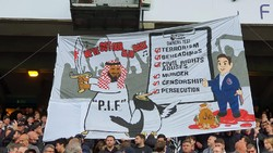 Newcastle Tandang ke Palace, Disambut Banner Anti-PIF