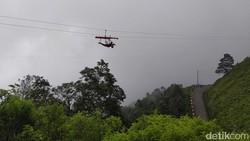 Bukan New Zealand, Ini Zipline di Gunung Telomoyo Magelang
