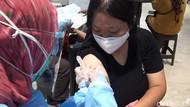 Vaksinasi Pfizer di Transmart MX Malang Diserbu Warga