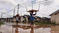 Banjir di Pekanbaru Merendam Rumah Warga