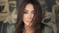 Queen of Sensation asal Lebanon Pakai Rompi Antipeluru saat Konser di Irak