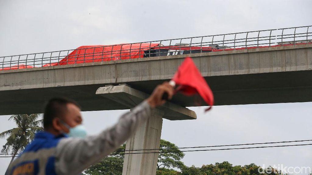 LRT Tabrakan di Cibubur Jadi Gunjingan Netizen Indonesia