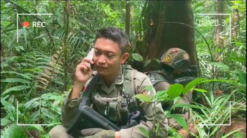 Haru Brimob Azani Anak via Telepon dari Hutan di Sela Kejar Teroris MIT
