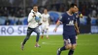 Siapa Suporter yang Kejar Messi di Laga Le Classique?
