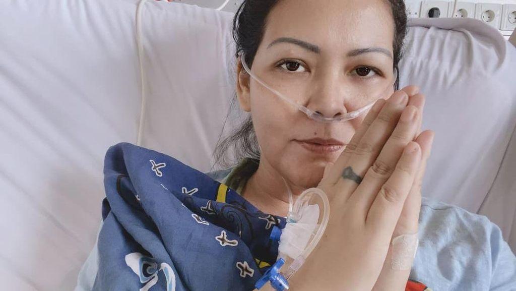 Perjuangan Melanie Subono Lawan Tumor Perut
