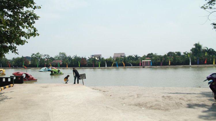 Bogor Ada Pantai Buatan Lho, Asyik Banget