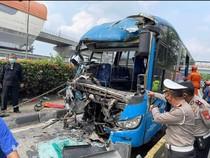 Polisi: Bus TransJ Tabrak TransJ di Cawang Melaju 55,4 Km/Jam