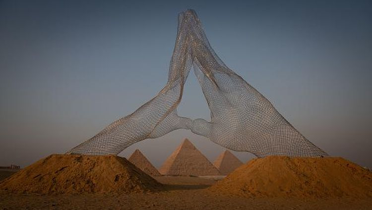 Pertama Kalinya! Piramida Giza Jadi Lokasi Pameran Seni
