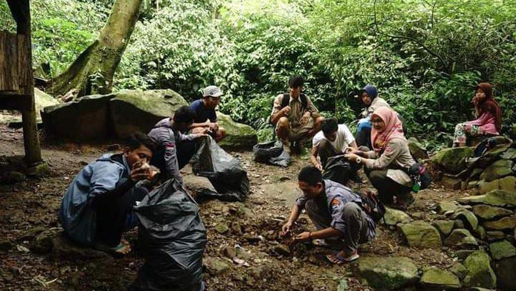 Ritual Buang Celana Dalam di Gunung Sanggabuana, Ini Respons MUI Karawang