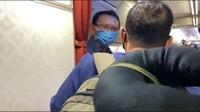 Momen Sandiaga Tak Sengaja Bertemu Ahok di Pesawat