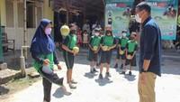 Sandiaga Tantang Muda-mudi Magelang Juggling dan Kembangkan Desa Wisata