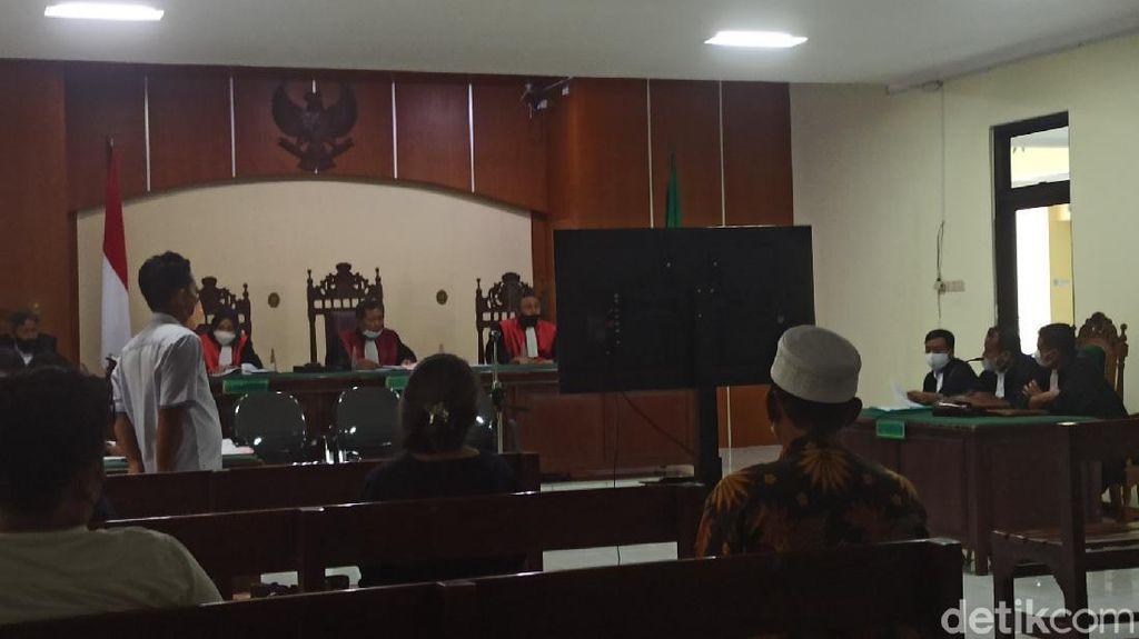 Didakwa Aniaya, Mbah Minto Bela Diri Lawan Pencuri Minta Restorative Justice