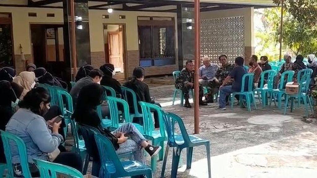 Pelayat Berdatangan ke Rumah Mahasiswa UNS Solo Meninggal Usai Diksar Menwa