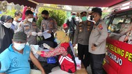 Pedagang Pasar Tradisional Porong di Sidoarjo Kembali Jalani Vaksinasi