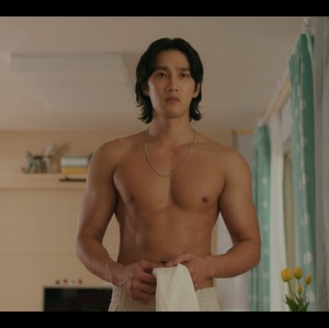 8 Potret Ahn Bo Hyun Pamer Otot Sebelum Heboh di Drakor Yumis Cells