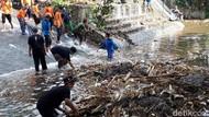 Aksi Santri di Boyolali Bersih-bersih Sungai