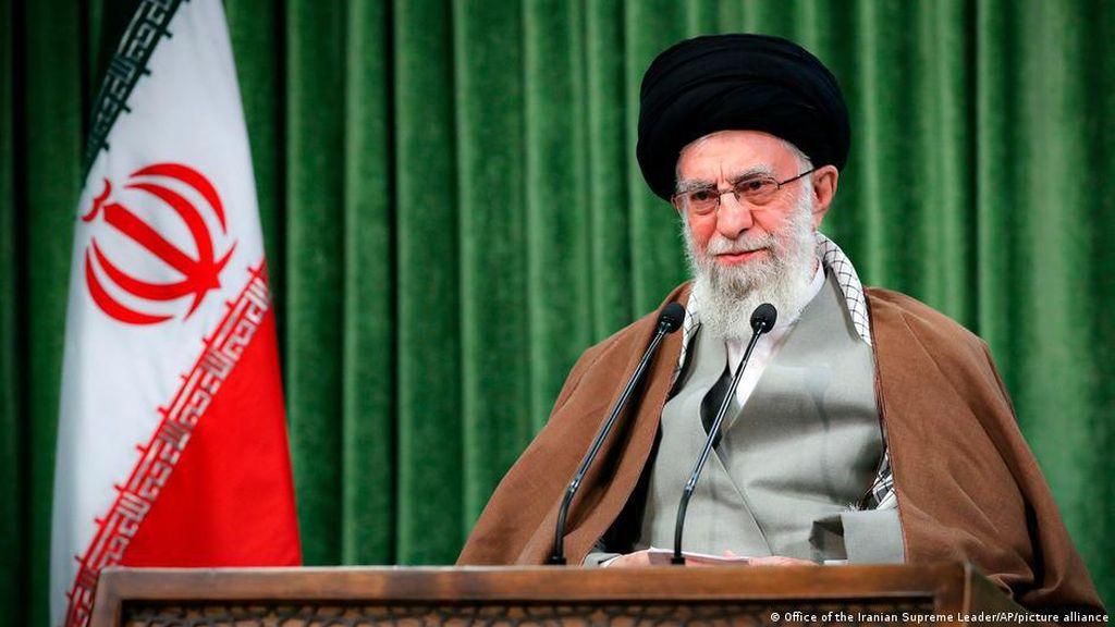 Ayatollah Khamenei Desak Dunia Arab Batalkan Normalisasi dengan Israel