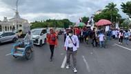 Demo Buruh di Kantor Gubernur Jatim Sempat Bikin Arus Lalin Padat