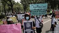 Geruduk Kantor Anies, Buruh di Jakarta Demo Tuntut Kenaikan Upah