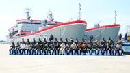 Menhan Serahkan 2 Kapal Angkut Tank Buatan Lokal ke TNI AL