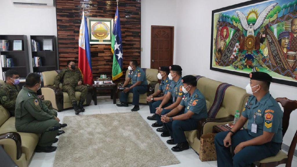 Kontribusi Jaga Perbatasan, Personel ILO TNI Terima Penghargaan dari Filipina