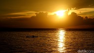 Pesona Matahari Terbenam di Tanah Papua