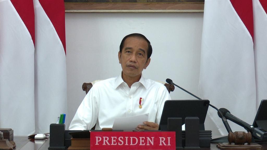 Jokowi ke Kepala Daerah: Ingatkan Warga Tak ke Mana-mana Saat Natal-Tahun Baru