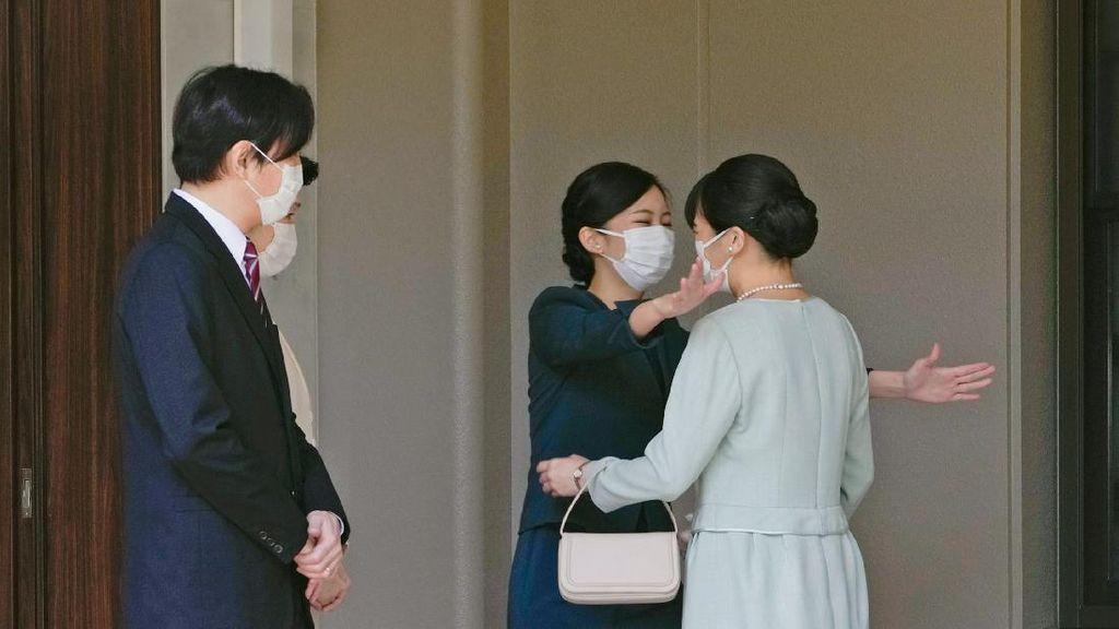 Momen Putri Mako Berpamitan Tinggalkan Keluarga Kekaisaran Jepang