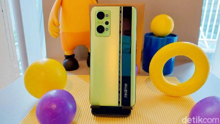 Wujud Realme GT Neo 2, Spek Flagship Harga Konon Terjangkau