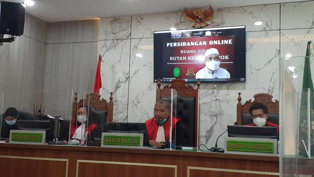 Sidang Pemeriksaan Terdakwa Kasus Babi Ngepet Ditunda